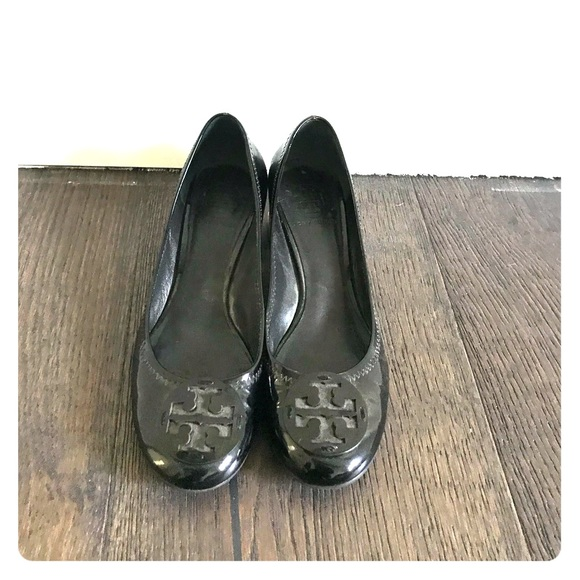 5c7c7579ed70 Tory Burch Shoes - Tory Burch Patent Leather Round Toe Pumps sz 8